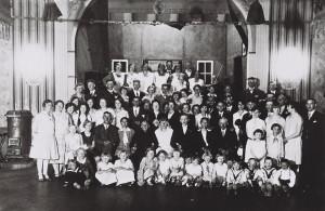 Hochzeitsgesellschaft Häger auf dem Saal des Arster Landhauses 1928/30